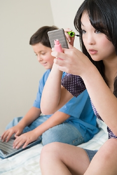 App Prevents Teens from Ignoring Moms Call